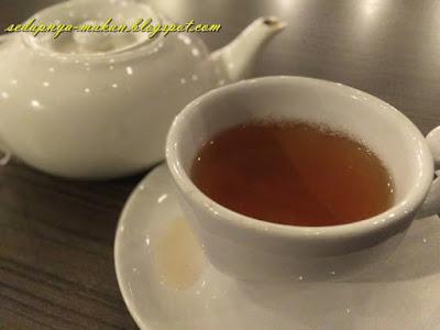 premiun tea in pot