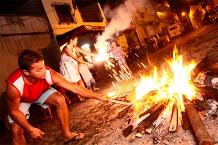 Prefeitura flexibiliza o uso de fogos e acendimento de fogueiras atendendo a pedido das Associações de Moradores de Juazeiro - Portal Spy Noticias