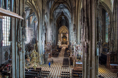 St. Stephens Cathedral Vienna by Laurence Norah-2