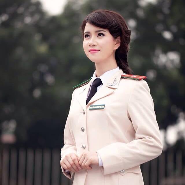 chan dung co nu canh sat lam xao xuyen dan mang - Tổng Hợp các HOT Girl Nữ Cảnh Sát đốn tim FAN nhất Việt Nam