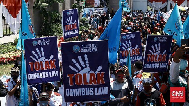 Disahkan, Sejumlah Poin Omnibus Law UU Cipta Kerja Menuai Kontroversi