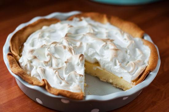 Tarta de crema y merengue