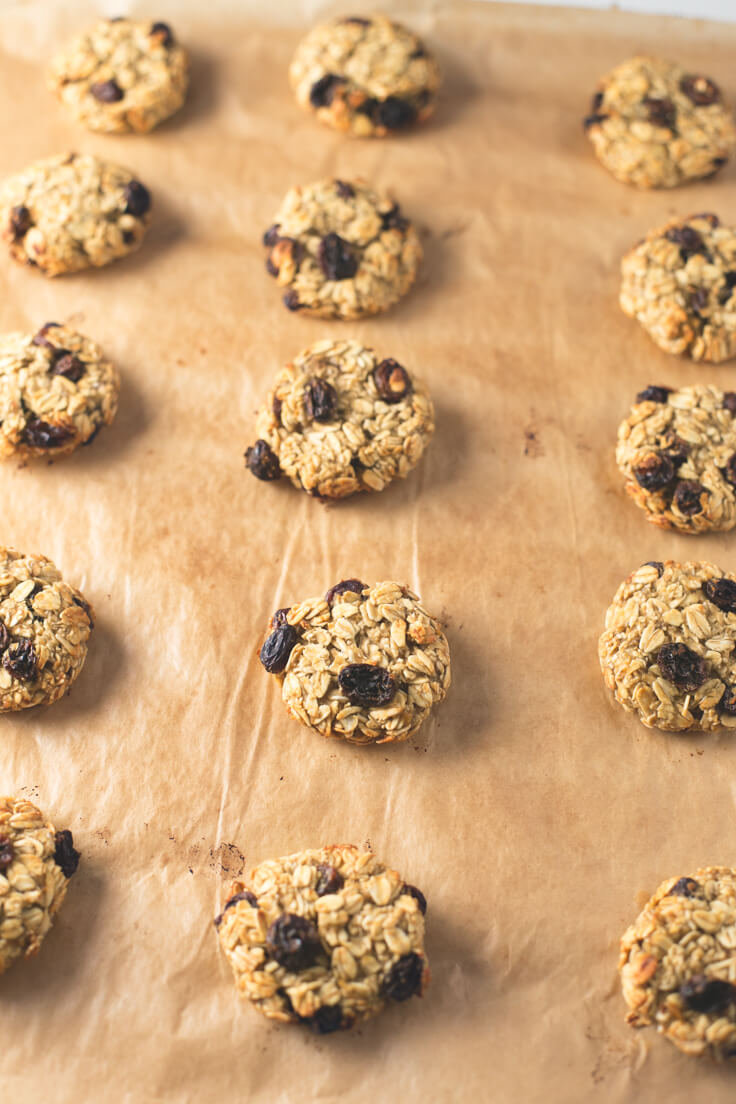 Oatmeal Raisin Cookies: These oatmeal raisin cookies are a very healthy breakfast or snack because they are made with natural ingredients.