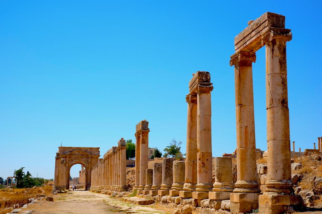 Liburan ke Jordan (Jerash dan Amman) - North Gate Columns
