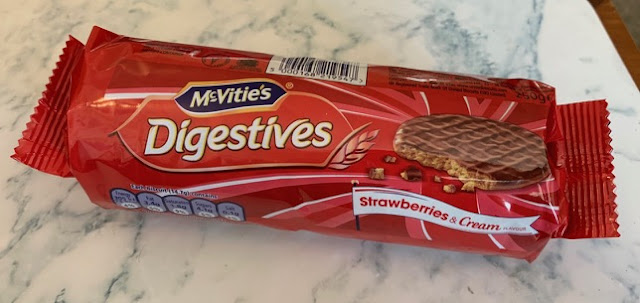 McVities Digestives – Strawberries and Cream