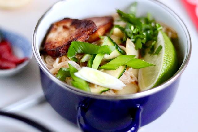 🍲 Pad Thai z marynowanym tofu