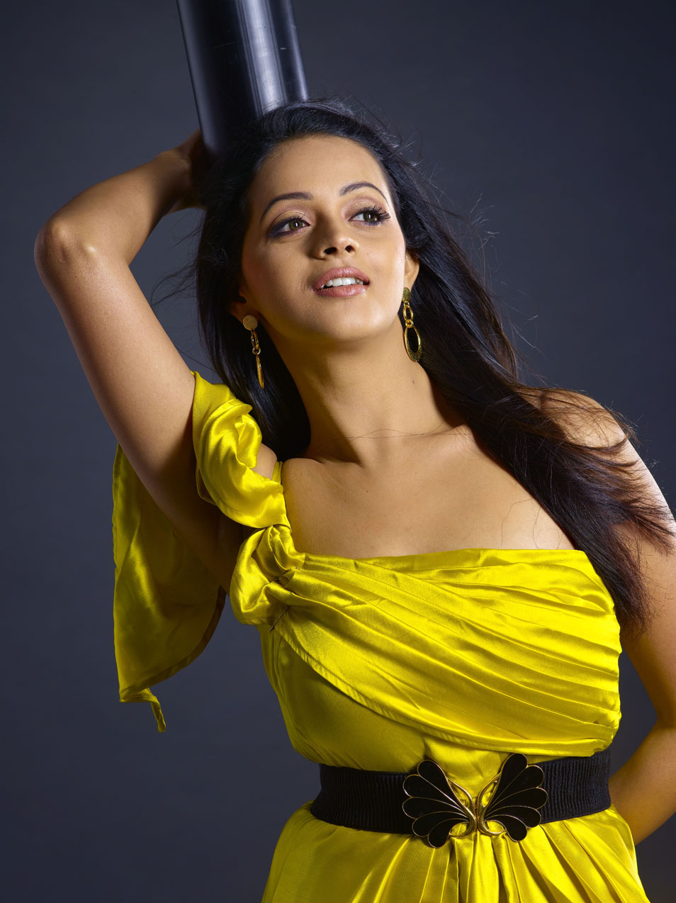 Actress Light Box Bhavana Hot Boobs Show In Yellow Dress-3703