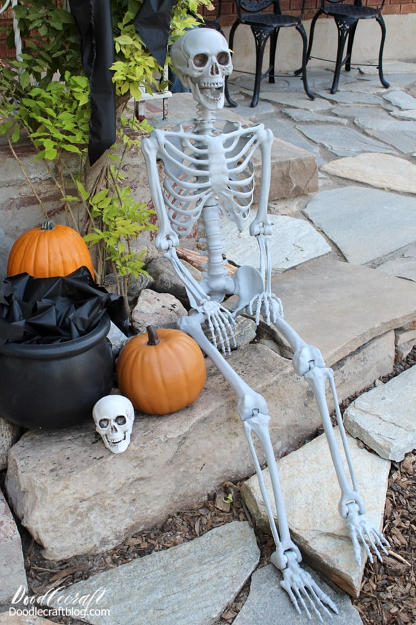 Halloween is so sneaky. As soon as the rush of Back-to-School ends, it's time to deck the halls for Halloween! It gets all of September and all of October to celebrate it's spooky nature. Poor Christmas.