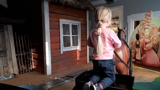 Lasten kaupunki, Helsingin kaupunginmuseo, museo, helsinki, lasten kanssa museoon, tekemista lasten kanssa helsinki, hevoskarryt