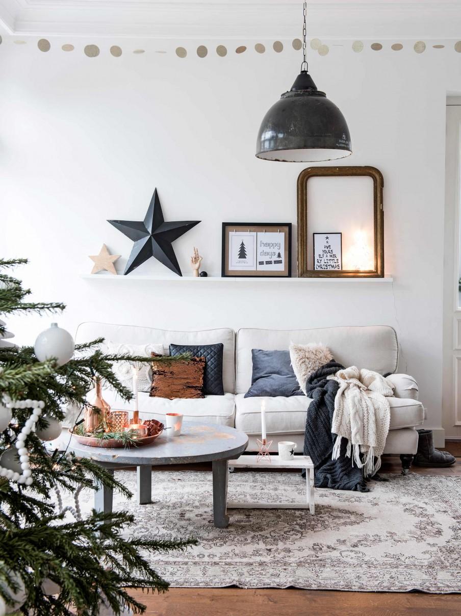 salon, estilo nordico, estrella, arbol de navidad, decoracion navideña, navidad, estrellas madera, manta, sofa, kivik, ikea, cojines, fundas para cojín, textiles