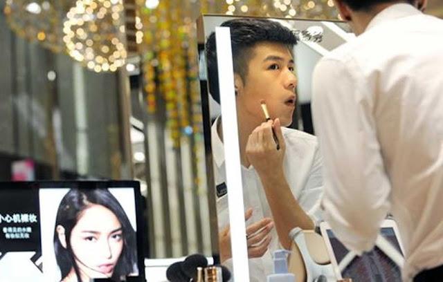 China Kini Larang Laki-laki Banci Tampil di Televisi