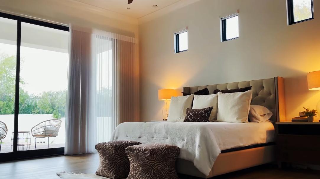 52 Interior Design Photos vs. 5210 E Via Del Cielo, Paradise Valley, AZ Luxury Home Tour