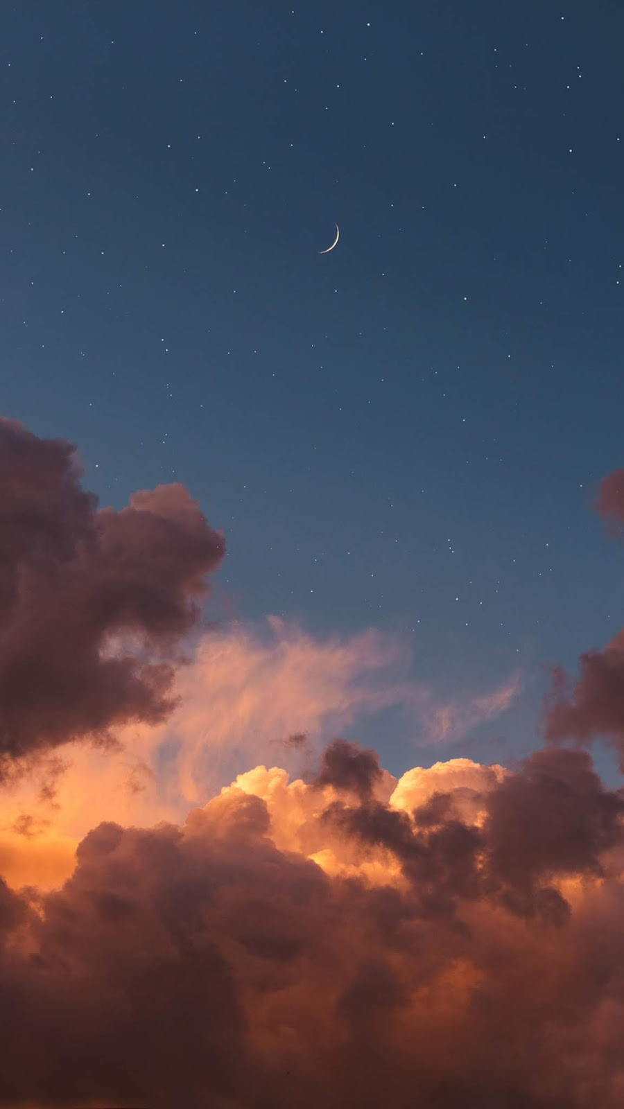 Crescent moon in the night sky wallpaper