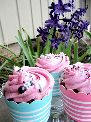 Spring cupcakes at Decadent Creations