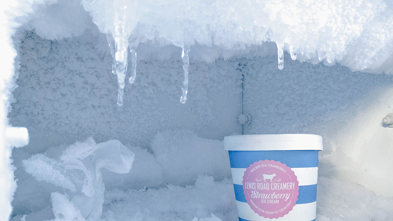 How to defrost freezer: 8 tips to speed up defrosting the freezer