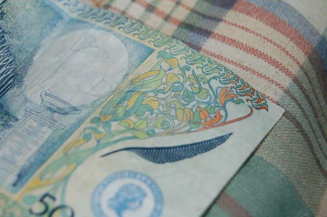 como cobrar el dinero colombiano
