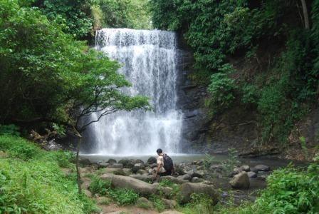Tempat Wisata Alam Air Terjun Bidadari di Lahat
