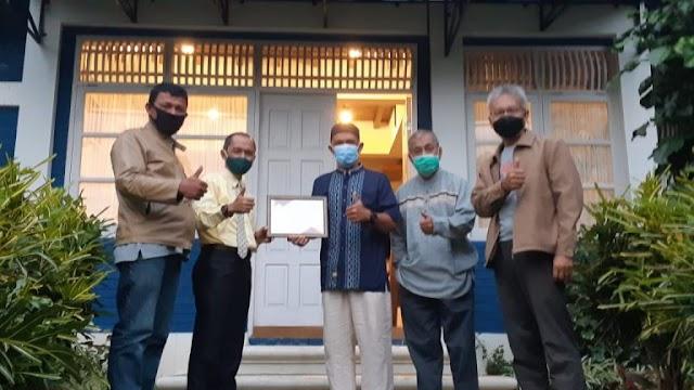Pemkab Agam Anugrahkan Penghargaan Pada Pemilik Homestay.