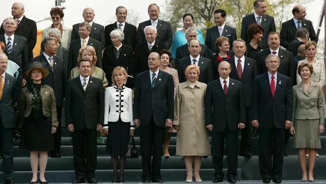Вспомним 2005 г. На Парад Победы в Москву съехались лидеры 53 стран