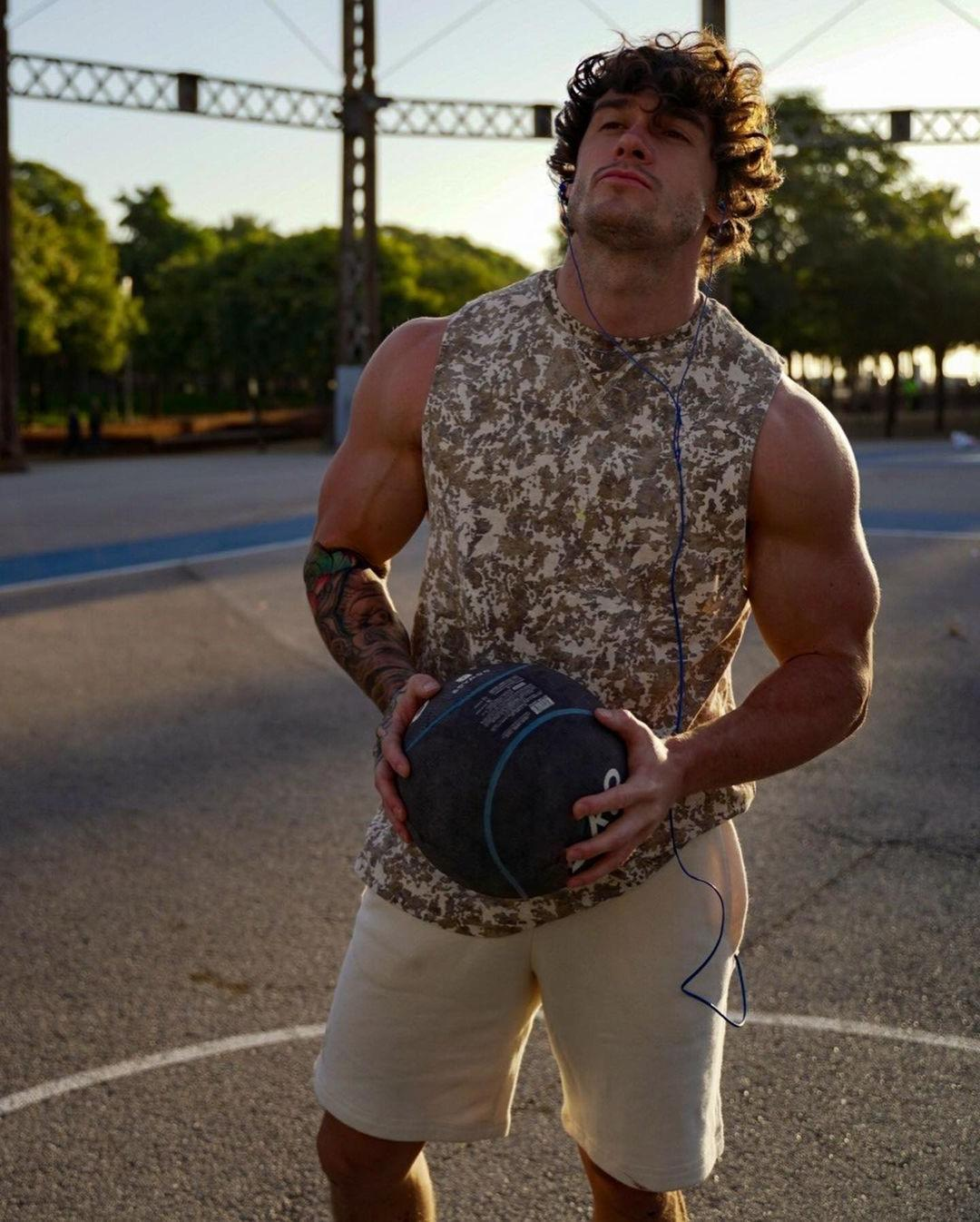 long-haired-strong-guys-owen-harrison-big-biceps-hot-basketball-players