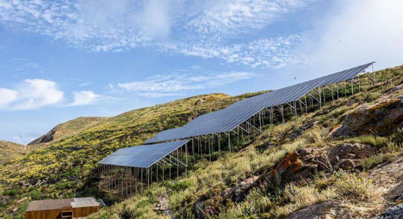 Painéis solares na ilha da Berlenga
