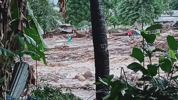 Update Korban Banjir Bandang Flores Timur: 23 Orang Meninggal, 2 Hilang