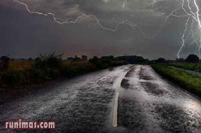 doa ketika mendengar petir saat hujan dan guntur