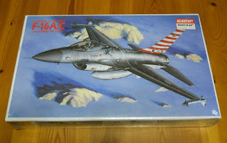 f-16 fighting falcon scale model