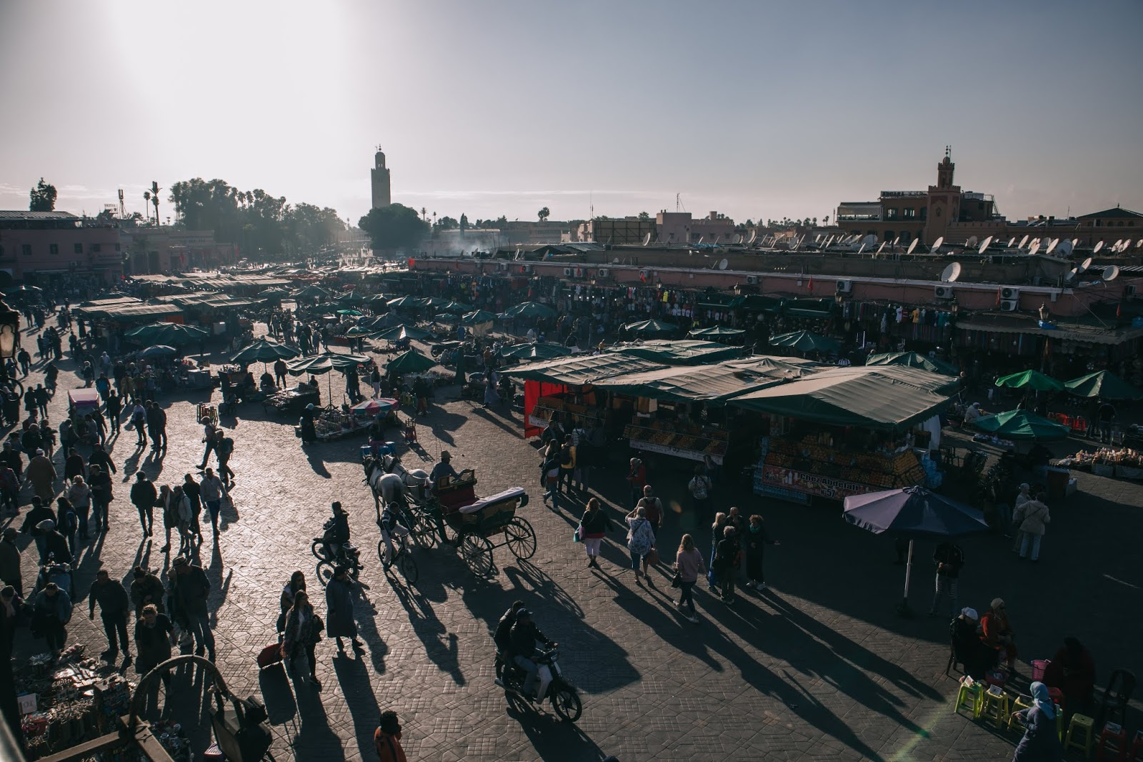 Suz and the Sun, Suz and the Sun travel, Marrakesh 2018, Marrakesh travel, Suz and the Sun style, Jemaa El-Fnaa square, Jemaa El-Fnaa Square sunset