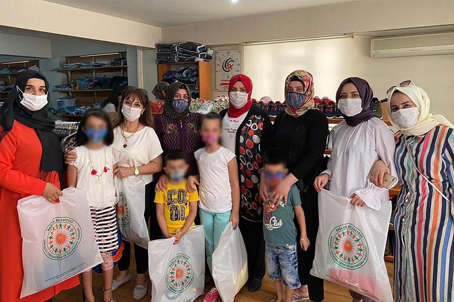 diyarbakir-baglar-belediyesi-ihtiyac-sahibi-ailelerin-yuzlerini-guldurdu
