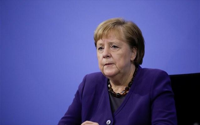 Γερμανία: Στο τραπέζι τα προνόμια των εμβολιασμένων -Πολύ νωρίς λέει η Μέρκελ