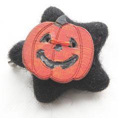 Alternate pumpkin brooch by Gothic White Witch