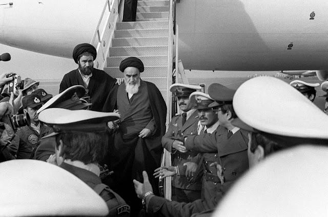 Giáo chủ lãnh đạo Cách mạng Hồi giáo Iran Ayatollah Ruhollah Khomeini