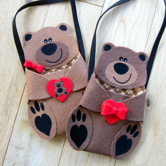 Add Details To Felt Bear with HTV by Janet Packer for Silhuette UK Blog