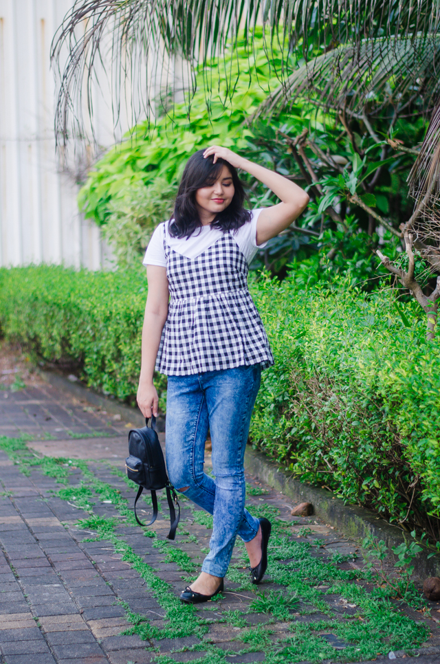 Gingham cami top with tshirt 90s trend outfit