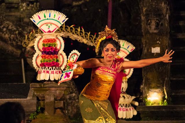 Danzatrice balli balinesi Tempio Saraswati, Ubud-Bali