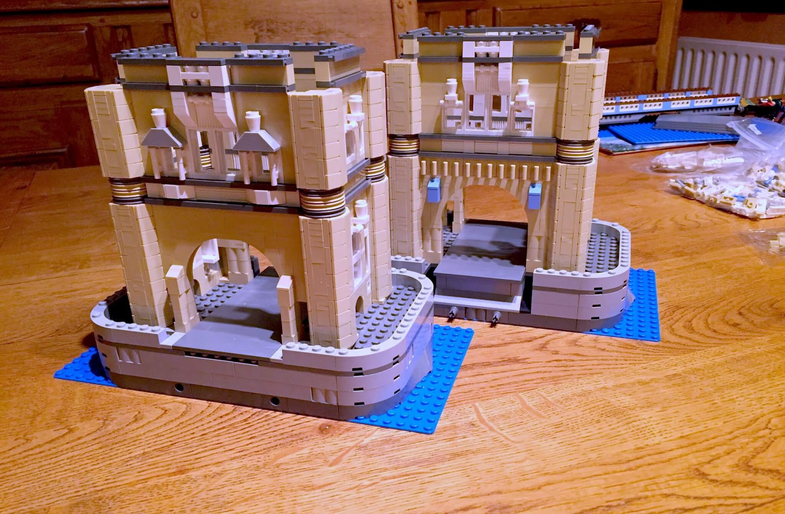 Building Lego Tower Bridge 10214 | Building the towers in steps.