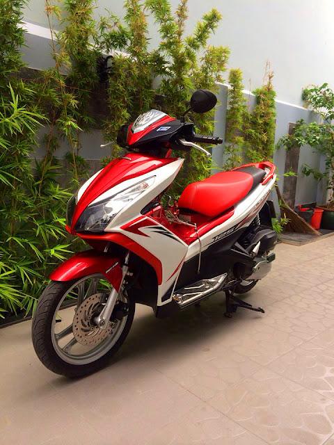 Sơn xe Airblade 125 trắng đỏ đen zin cực đẹp