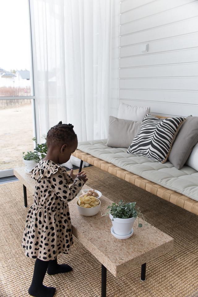 Villa H, terassilla, kodin sisustus, 2-vuotias, syntymäpäivät
