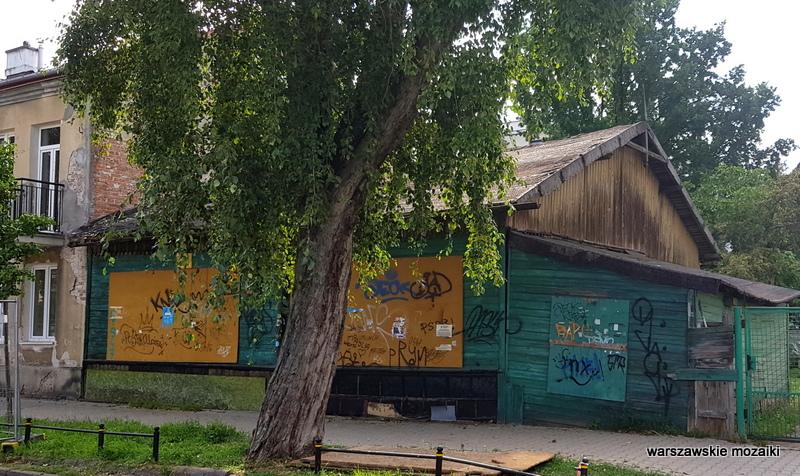 Warszawa Warsaw Praga Południe Grochów Gocławek ulice Pragi architektura drewniak dom drewniany
