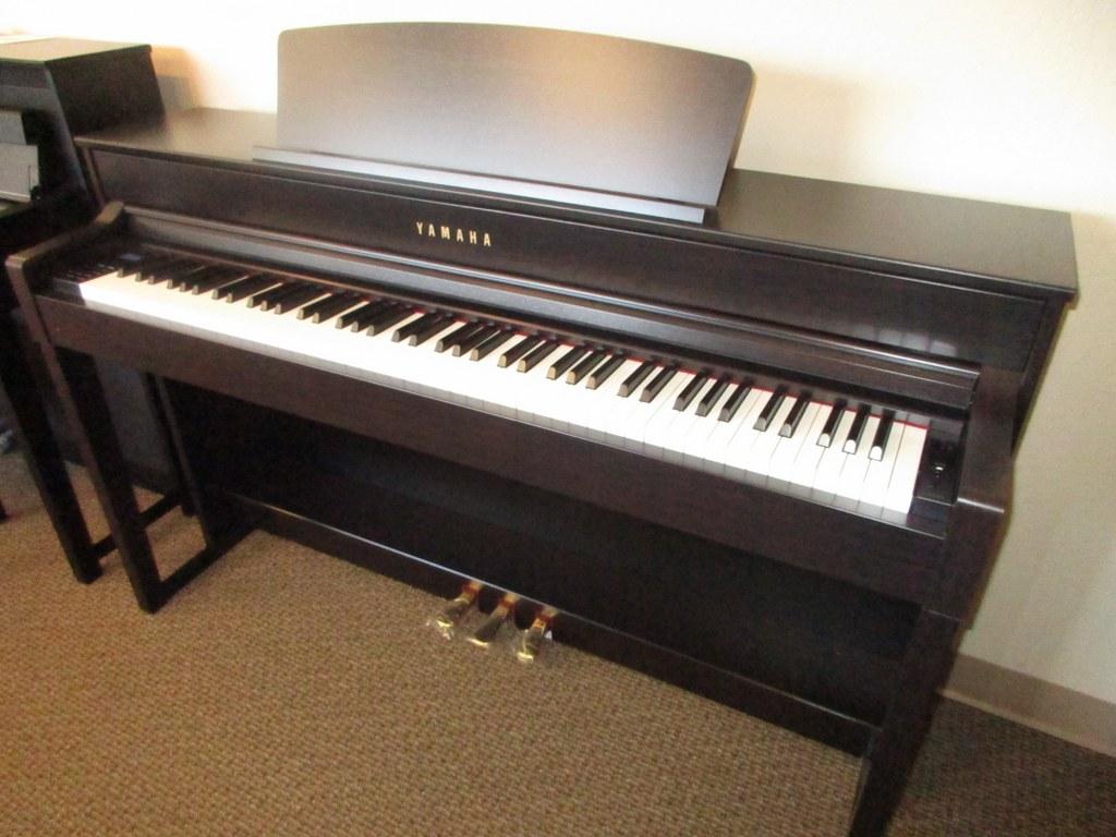 Az piano reviews review yamaha clp535 clp545 clp575 for Yamaha clavinova clp 500