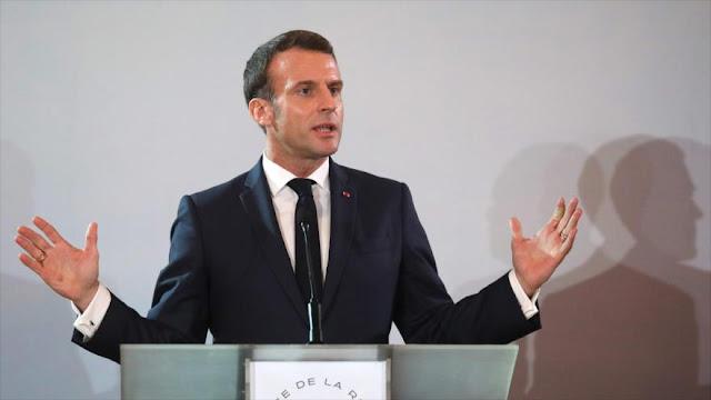 Macron renuncia a su pensión presidencial para rebajar protestas