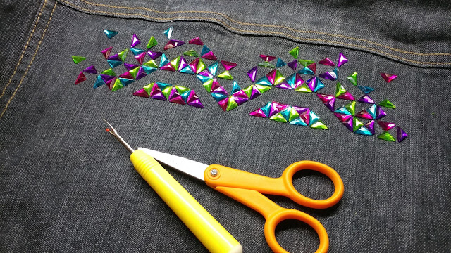 Making an Exploding Heart quilt with rhinestones