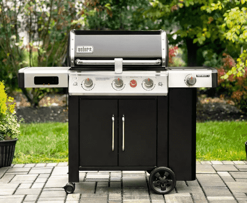 Weber gas grill includes internet and digital display