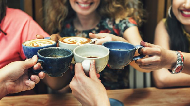 A túlzott koffeinbevitel egészségügyi problémákat okozhat.