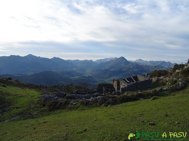 Ruta al Cerro Llabres: Braña La Raíz