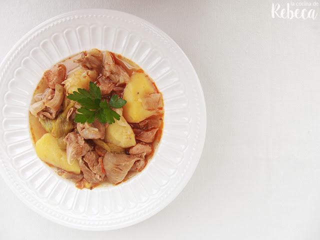 Patatas guisadas con pavo adobado