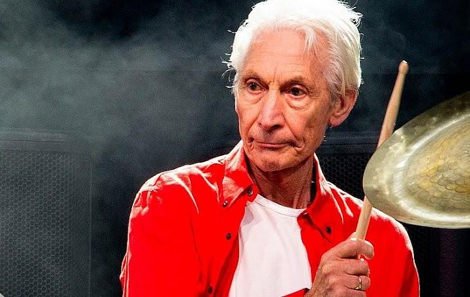 Morre Charlie Watts, lendário baterista dos Rolling Stones aos 80 anos