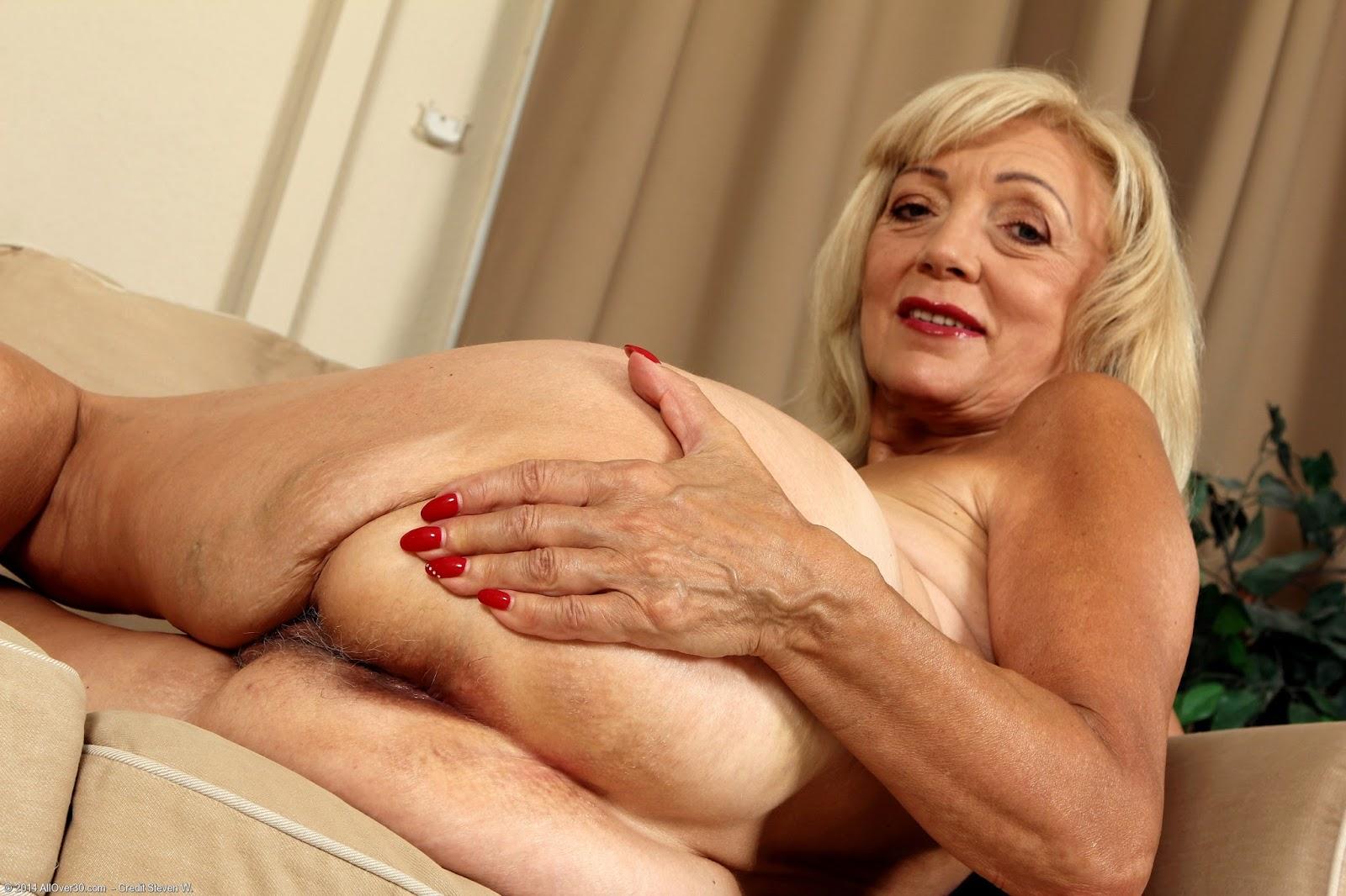 Perfect tits nude gif