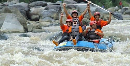 Paket Tour Jogja 1 Hari Rafting Sungai Elo - Kaliurang Park + Malioboro Tour